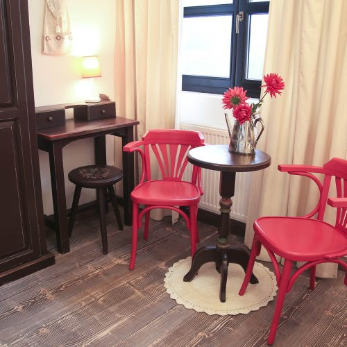 Camera Ciocolata cu capsune, Chalet Charm, Pastel Chalet, boutique hotel, Romania, cazare (1)